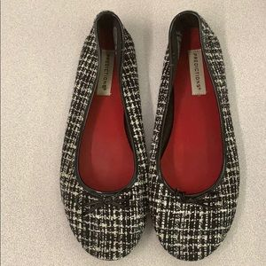 Predictions size 9.5 black plaided flats